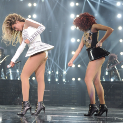 'Mrs. Carter World Tour'